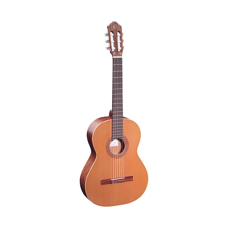 Класична гітара Ortega R180